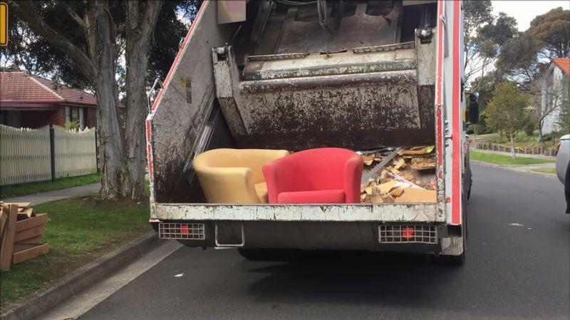 【ゴミ収集】粗大ごみを粉砕せよ!パッカー車の回転盤に目が釘付け