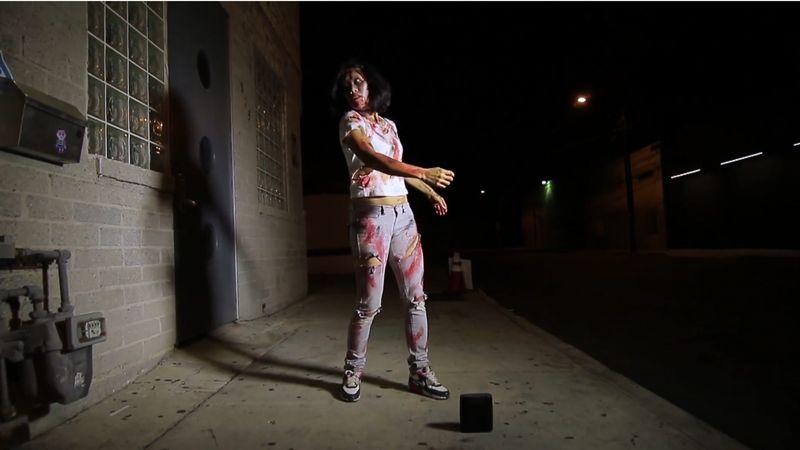 【ゾンビ】アンデットのダンス動画がセクシー!現実世界で死者が躍る