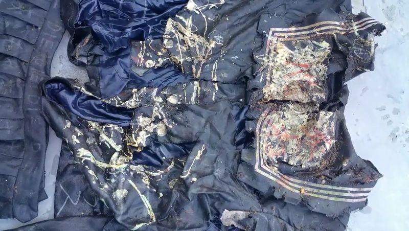 【セーラー服】屋外に一年間放置された制服!汚水とカビでドロドロに