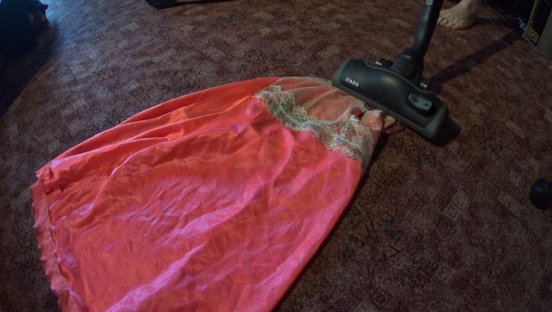 【掃除機フェチ】ナイトドレスが吸われる!部屋掃除でバキューム三昧
