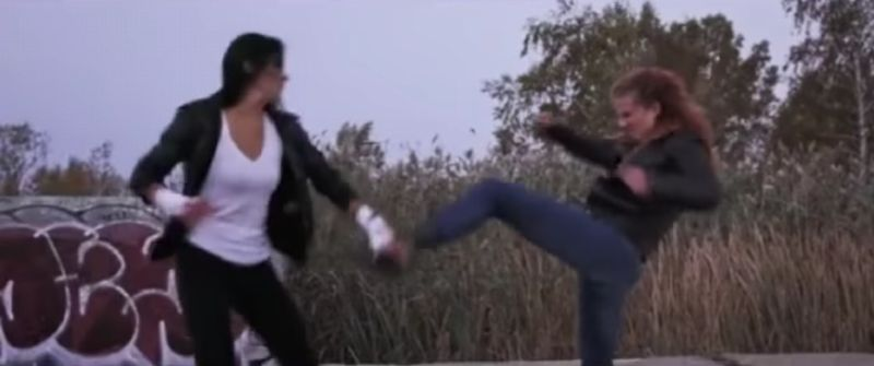 【キャットファイト】女同士が激しくぶつかり合う肉弾戦が熱すぎる!