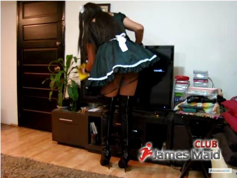 【メイド】家政婦見習いの後ろ姿にドキッ!美女が従順に家事をこなす